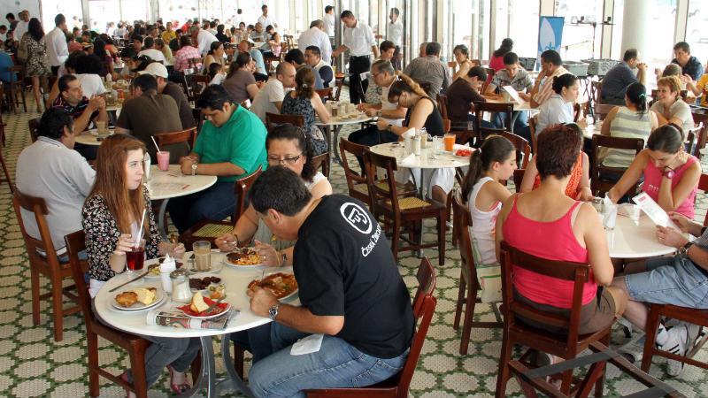 316739-impuesto-a-la-renta-podra-deducirse-el-15-por-gastos-en-hoteles-y-restaurantes