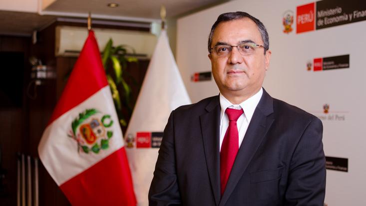 """Carlos Oliva: """"Con informalidad, no es fácil que el crecimiento económico llegue hasta abajo"""""""