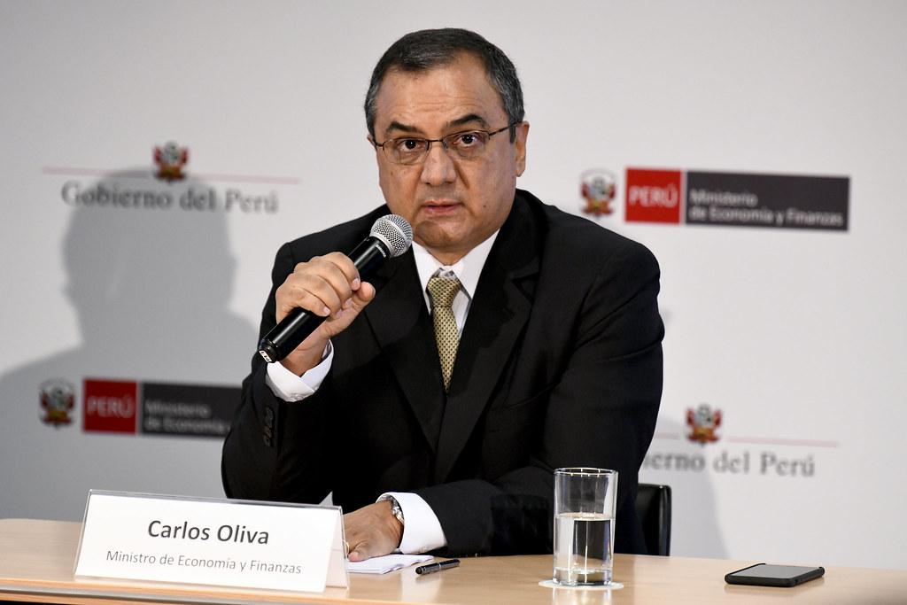 370621-carlos-oliva-en-este-momento-no-tiene-sentido-meterle-plata-a-la-inversion-publica