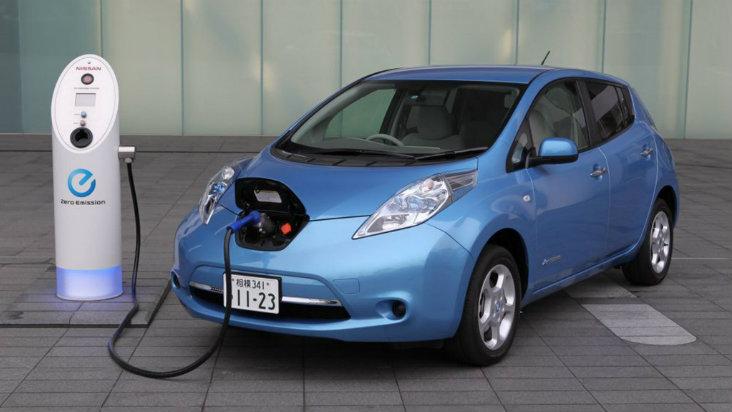 372076-vehiculos-electricos-taxis-y-autos-de-lujo-son-el-siguiente-paso