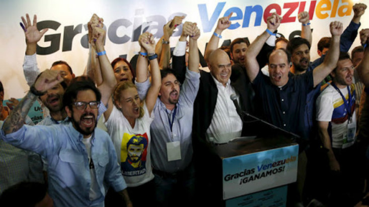 Venezuela: oposición derrotó al chavismo en elecciones parlamentarias