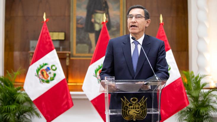 Martín Vizcarra anunció disolución del Congreso; Pleno aprobó su suspensión