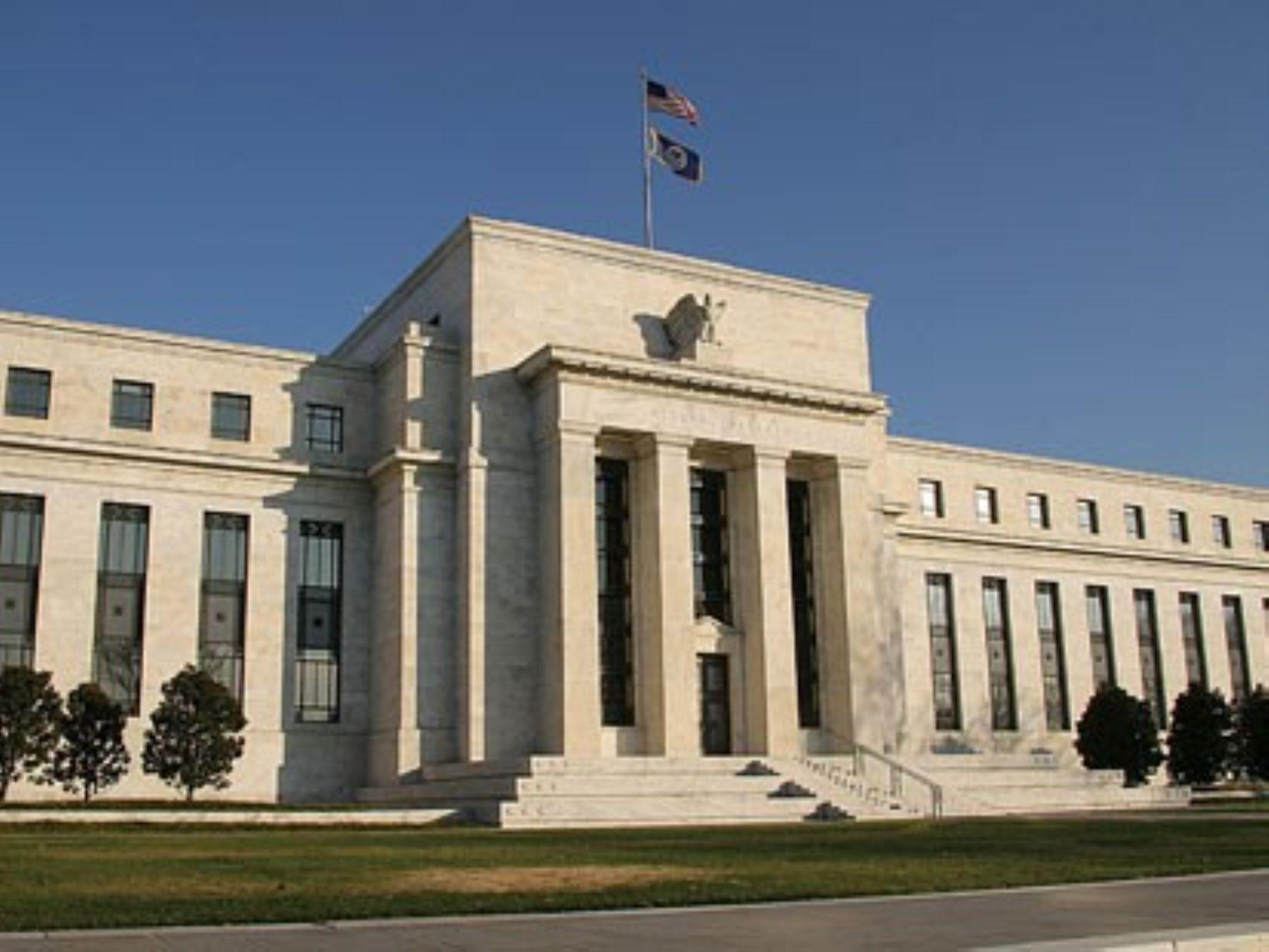 Desplome de mercados financieros: el rol de las tasas de interés