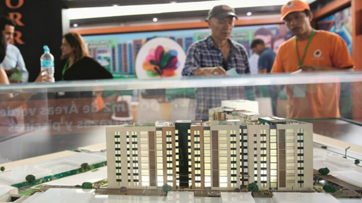 No habrá boom inmobiliario si el gobierno sigue mirándose el ombligo