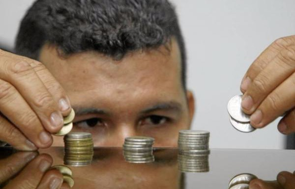Alza de sueldo mínimo llegaría sin justificación económica y afectaría el empleo formal