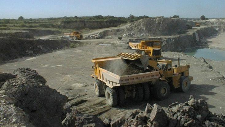 El Perú cayó diez posiciones en ranking de atractivo de inversión minera