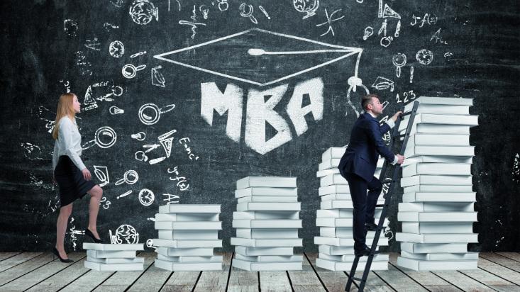 ¿Cuándo conviene estudiar una maestría alejada de tu línea de carrera?