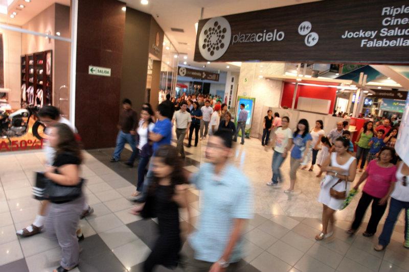 340247-caja-piura-inauguro-la-primera-sede-de-una-caja-municipal-en-el-jockey-plaza