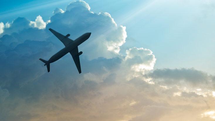 Aerolíneas en 'tormenta' de reclamos: más comunicación es la solución