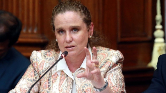 """Claudia Cooper: """"Las AFP tienen que ser parte de la solución"""""""