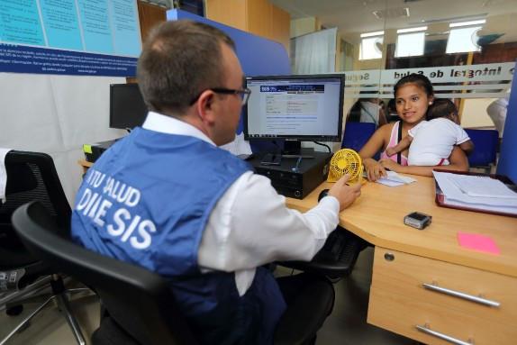 gobierno-publico-decreto-de-urgencia-que-establece-el-seguro-universal-de-salud