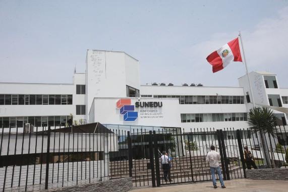 sunedu-inicio-procedimiento-sancionador-contra-la-universidad-alas-peruanas