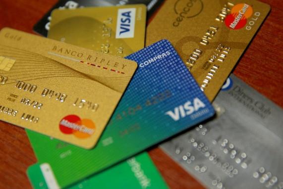 """<p><span style=""""color: rgb(0, 0, 0); background-color: transparent;"""">Créditos de consumo seguirán creciendo a doble dígito, pero no para todos los bancos</span></p>"""