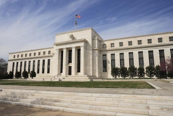 Efecto coronavirus: más recortes de la Fed seguirían abaratando el costo del crédito en dólares