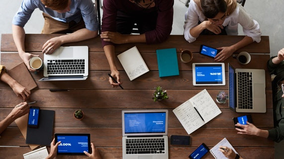 3 cosas que pueden aprender las Corporaciones de las Startups