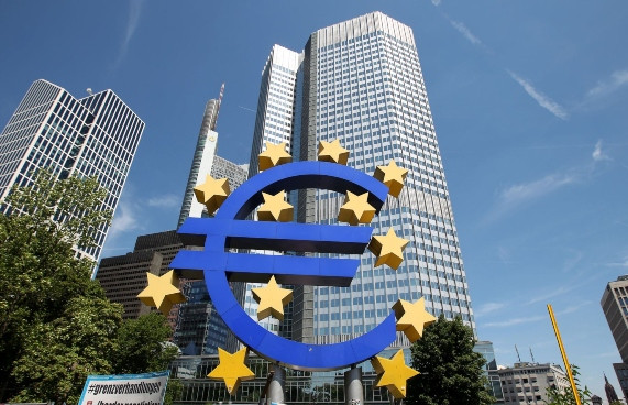"""<p><span style=""""background-color: transparent; color: rgb(0, 0, 0);"""">El euro se seguirá depreciando en el 2020 ante bajo crecimiento europeo</span></p>"""