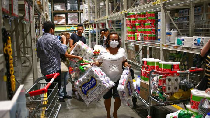 <p>Supermercados registraron picos de consumo de alimentos y productos de higiene antes de la cuarentena</p>