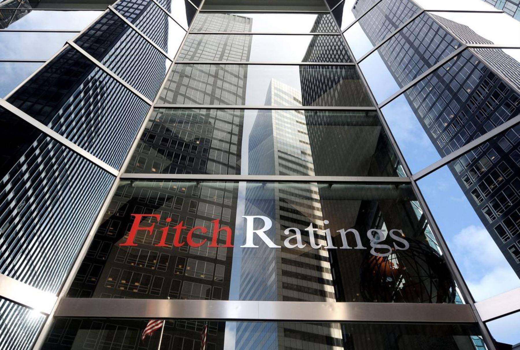 fitch-revisa-de-estable-a-negativa-perspectiva-para-la-banca-peruana