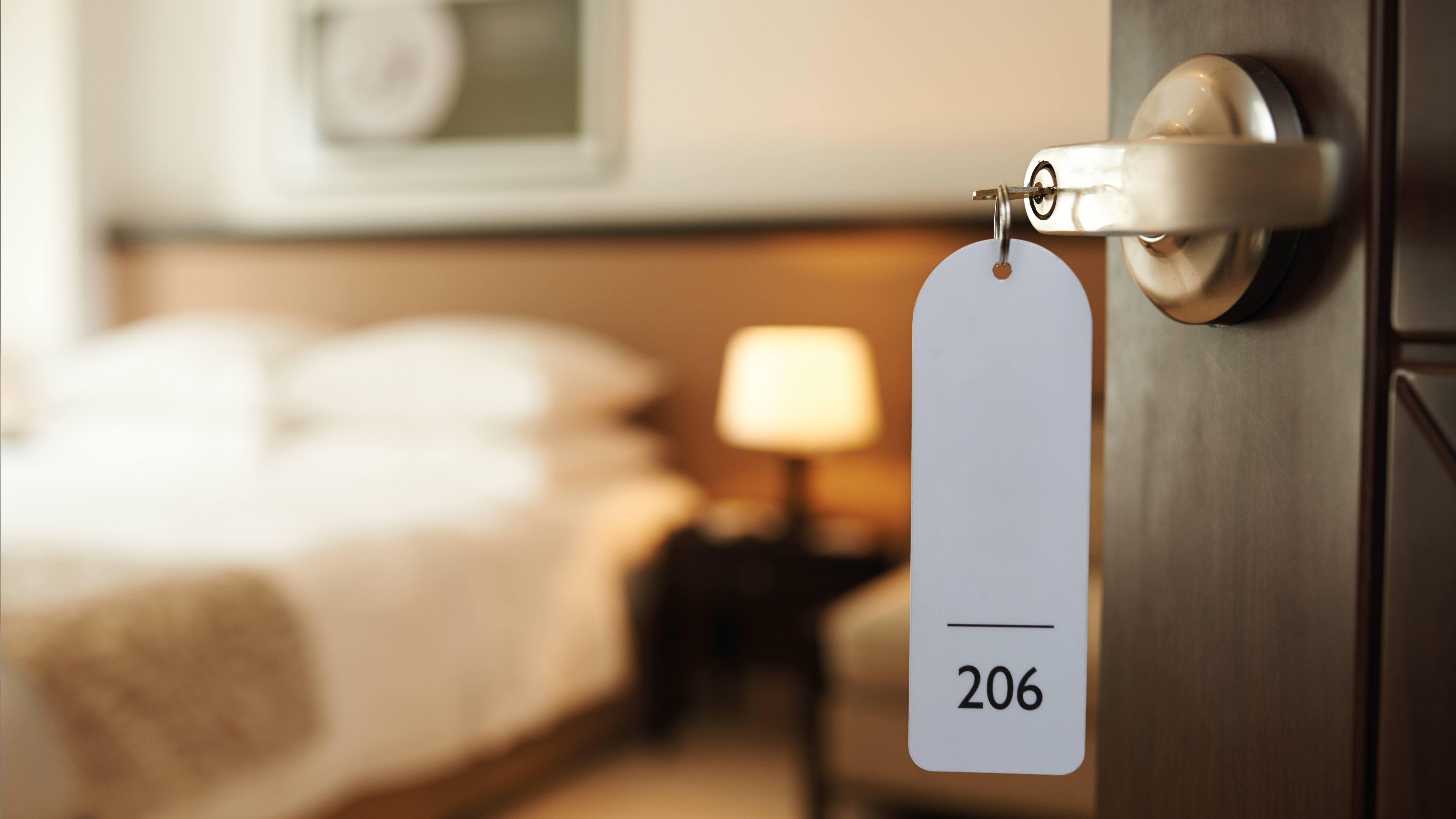 Hoteles obligados a reinventar sus servicios para enfrentar la crisis por el Covid-19