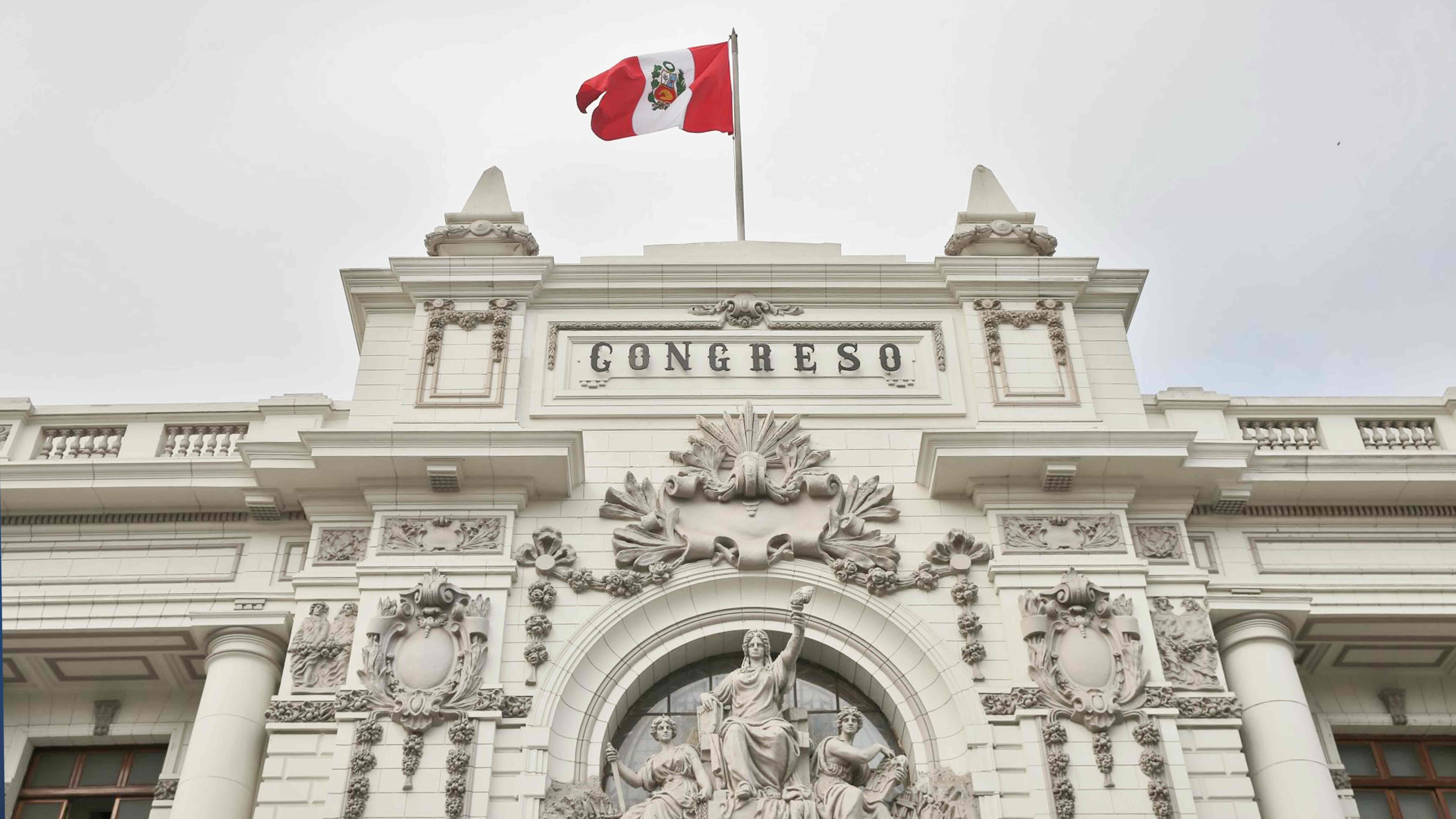 editorial-quien-vigila-al-congreso