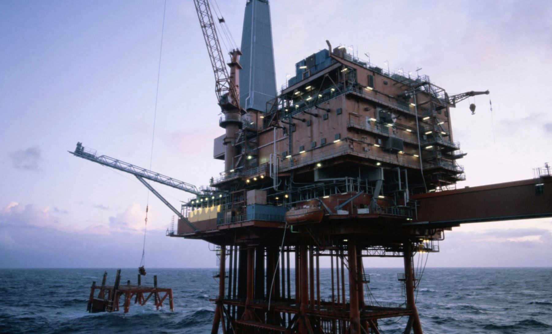sector-petrolero-tras-golpe-del-covid-19-posterga-su-recuperacion-al-2021