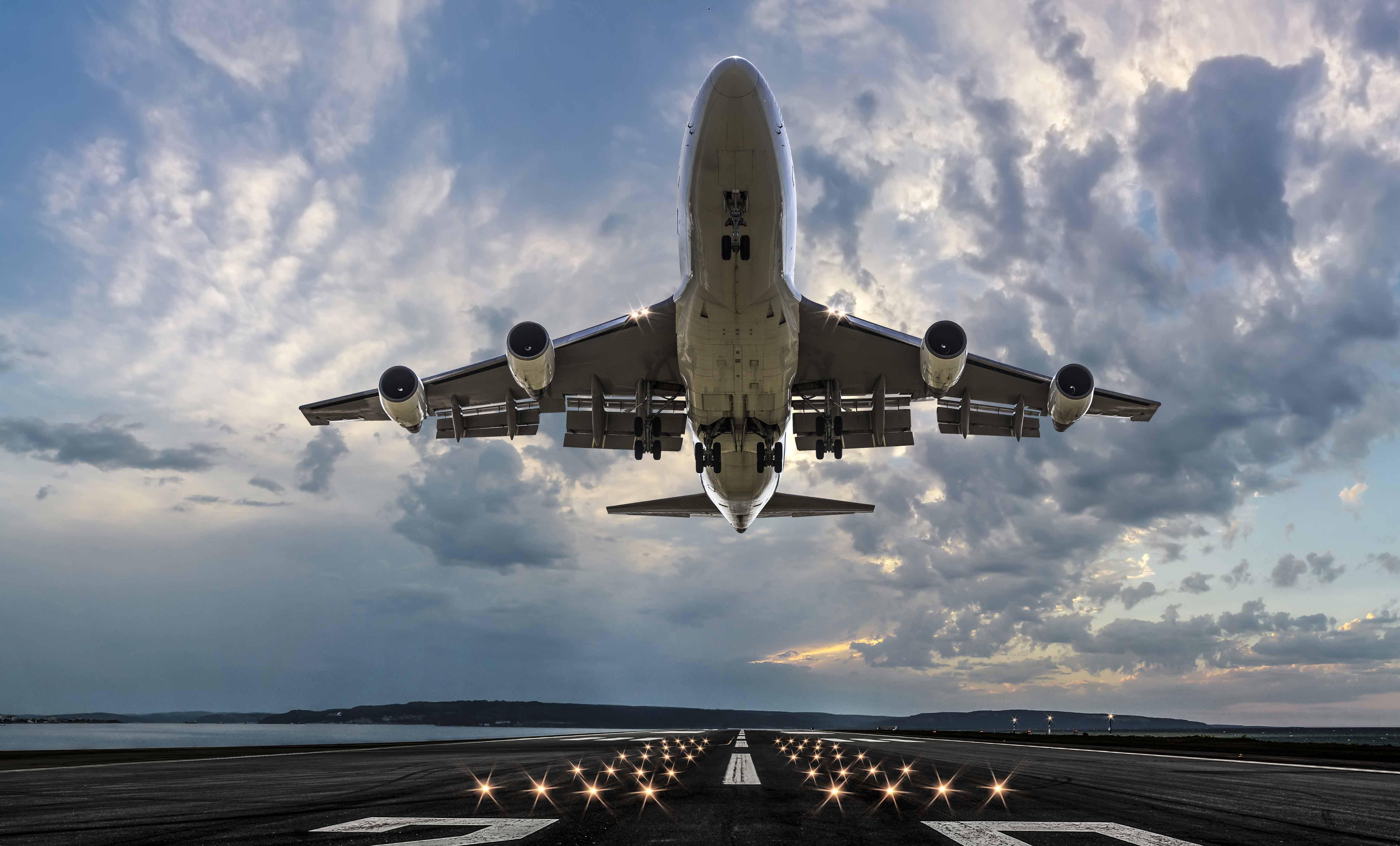 aerolineas-tendrian-hasta-un-ano-para-reeembolsar-pasajes-de-vuelos-cancelados