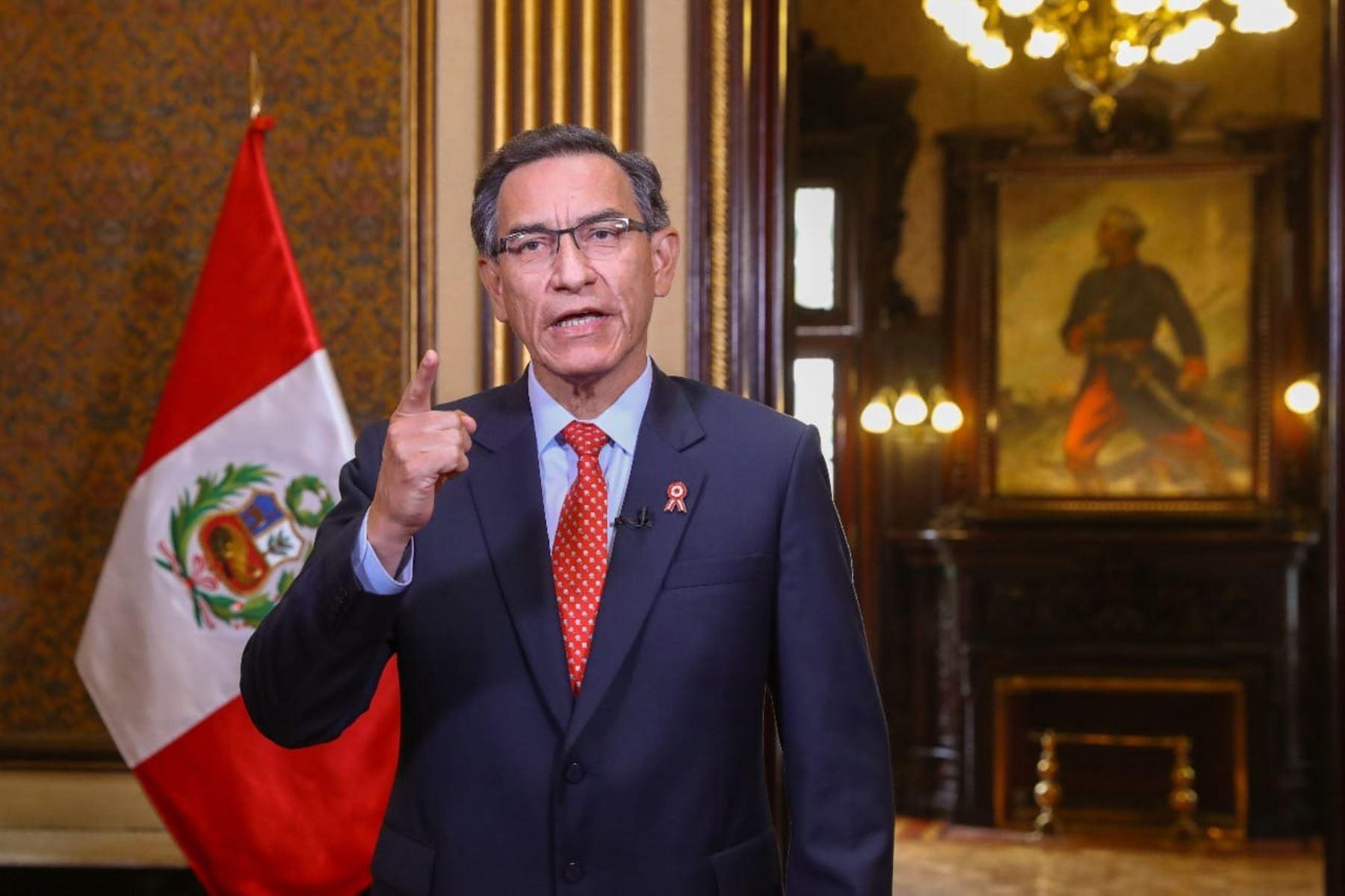 <p>Martín Vizcarra aceptó negación de confianza al Gabinete Cateriano y anunció nueva conformación</p>