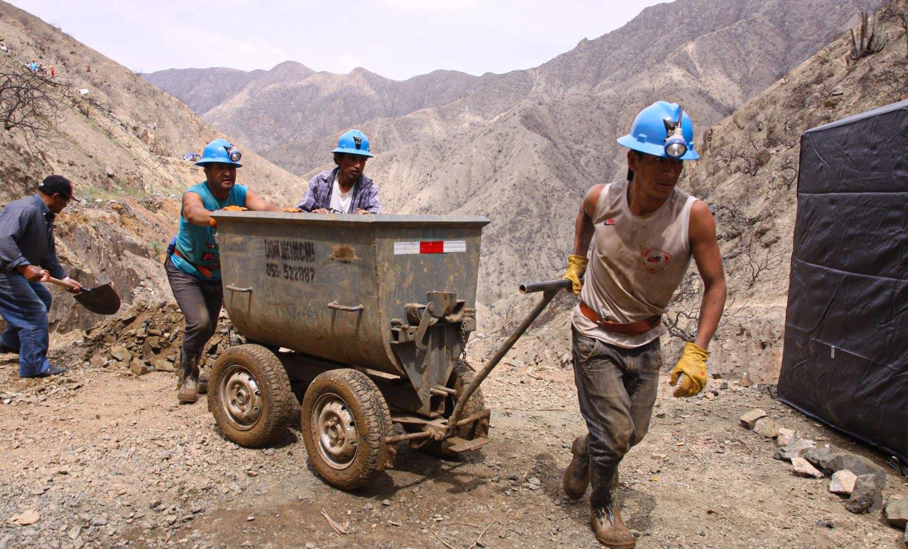 Claves para impulsar la formalización de la pequeña minería