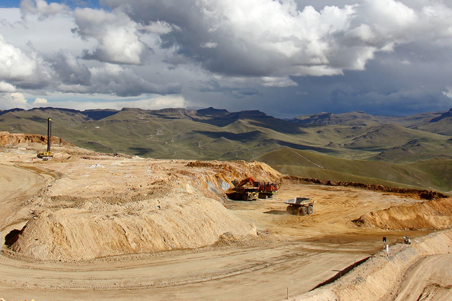 exportaciones-mineras-retrocedieron-245-durante-primer-semestre