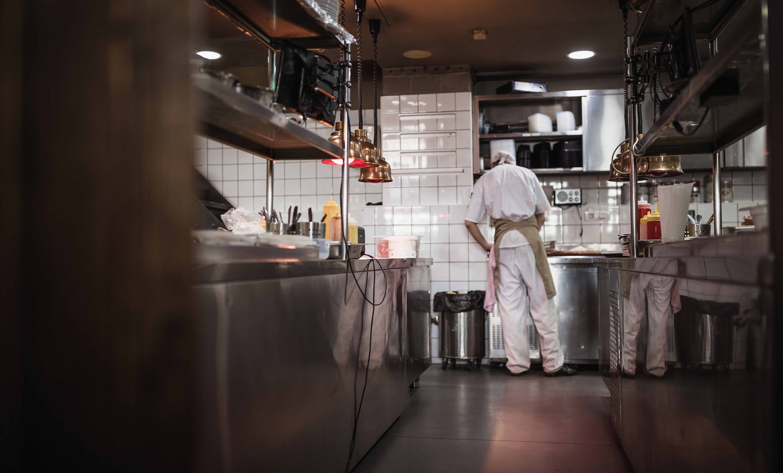 La apuesta de restaurantes por el delivery impulsalas inversiones en dark kitchens