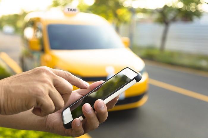 apps-de-taxi-conductores-requeririan-autorizacion-de-la-atu-para-operar