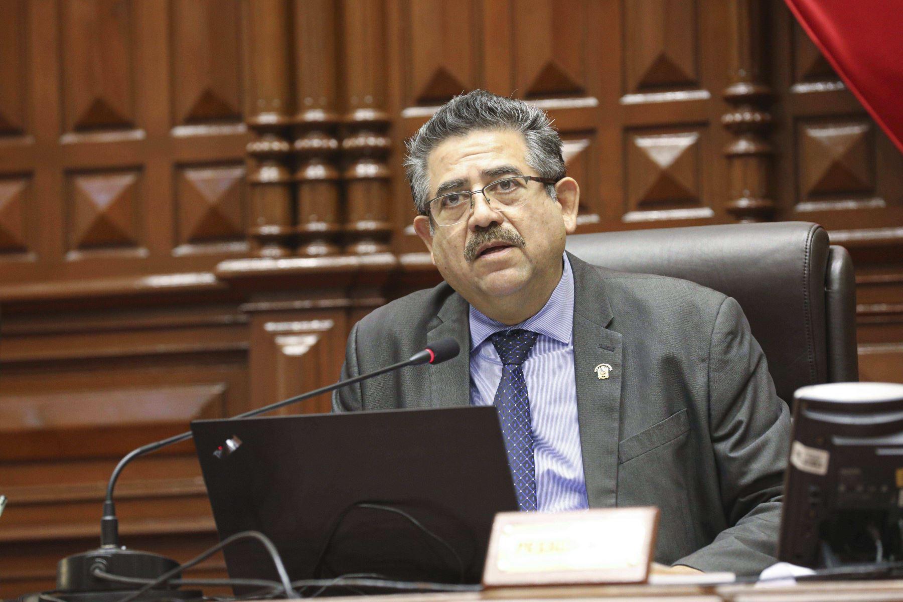 editorial-vacancia-martin-vizcarra-nuevo-gobierno-manuel-merino-amenaza-populista