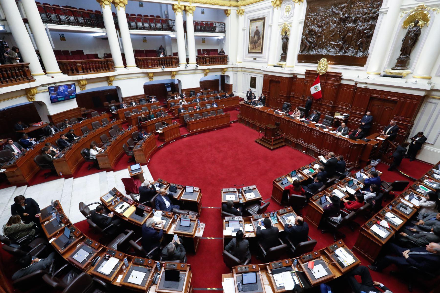 pleno-del-congreso-derogo-du-que-regula-la-negociacion-colectiva-en-el-sector-publico