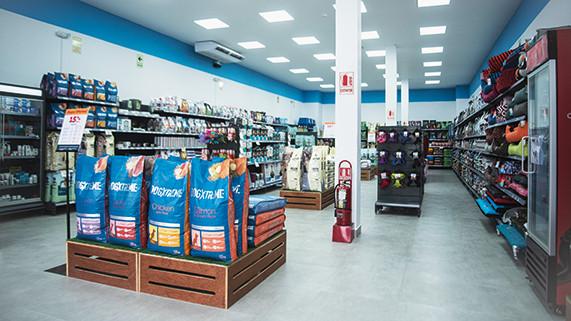 foco-en-superpet-tienda-especializada-en-el-cuidado-de-mascotas-que-ingresara-a-arequipa