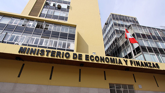 Negociaciones colectivas sin control comprometerán la recuperación de la fortaleza fiscal