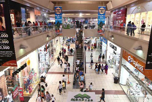 ejecutivo-redujo-a-40-el-aforo-en-centros-comerciales