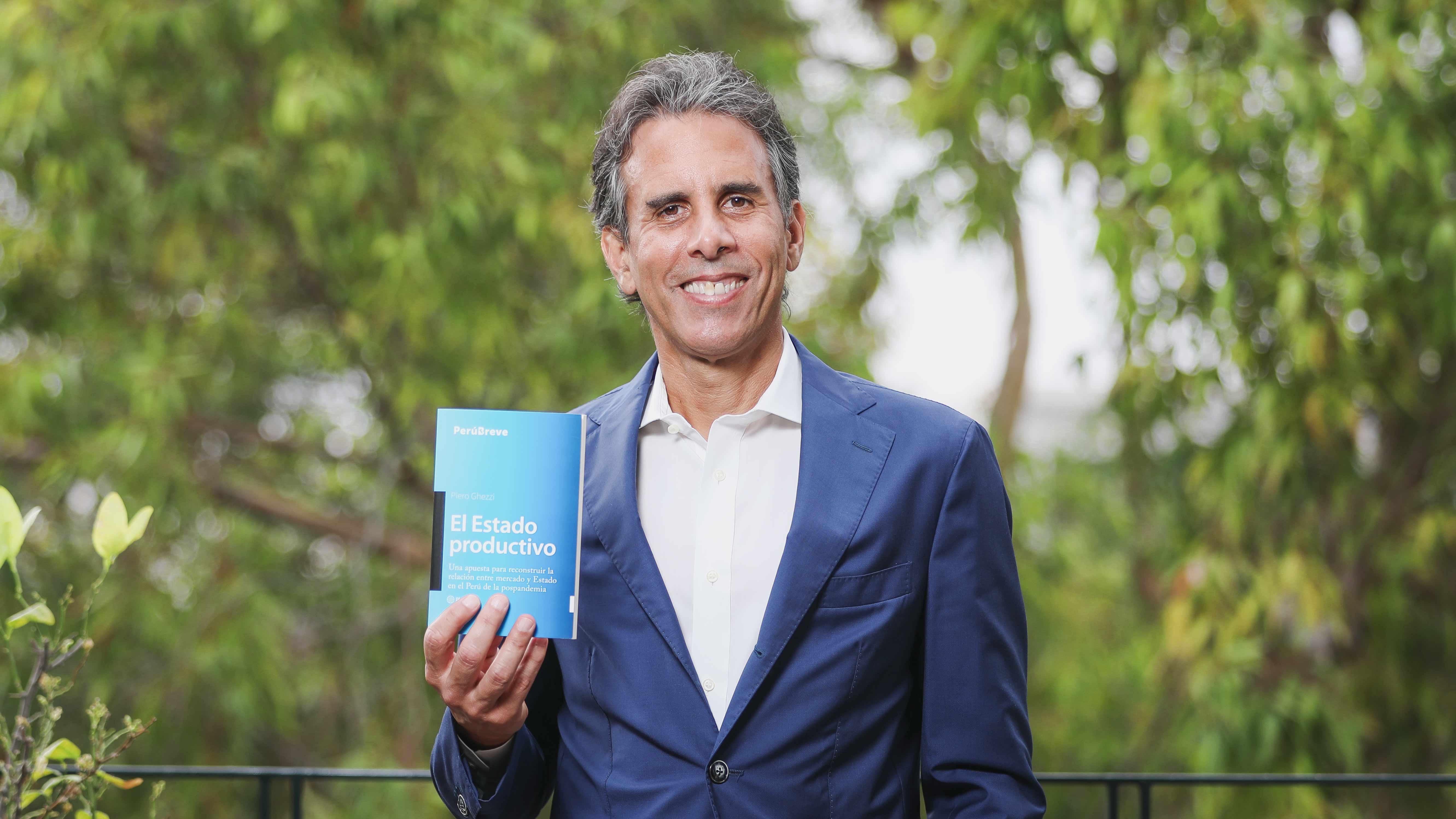 """Piero Ghezzi: """"Debemos usar la necesidad de reactivar la economía en pandemia para la reconversión productiva"""""""