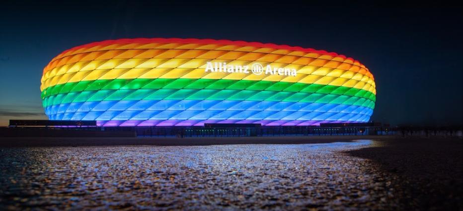 """El Laberinto del """"Uefauno"""": La UEFA contra la comunidad LGBT"""
