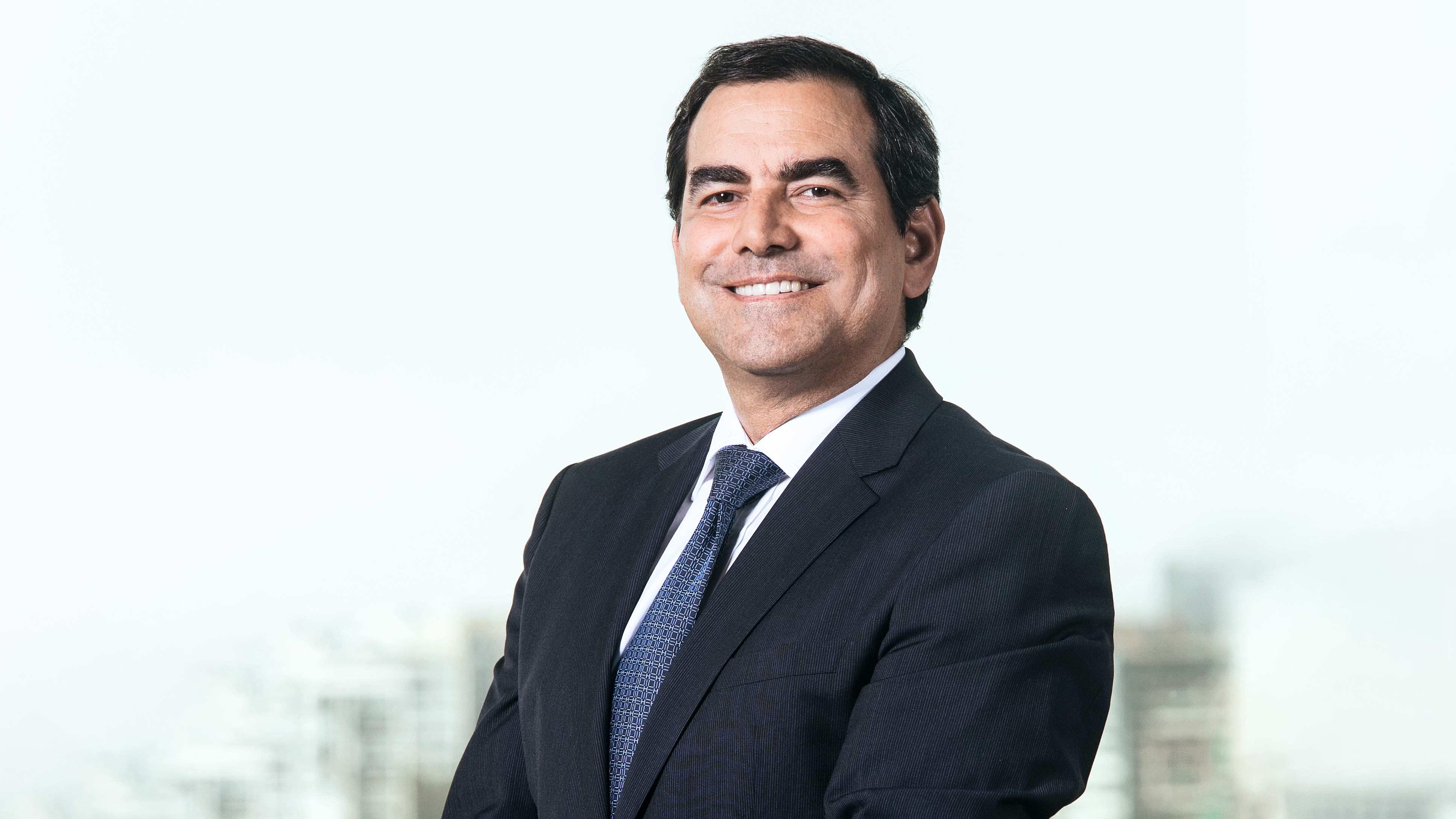 """<p>Oscar Caipo: """"Tenemos que dejar de etiquetar a las personas por sus ideas, y empezar a catalogarlas entre íntegros y corruptos""""</p>"""