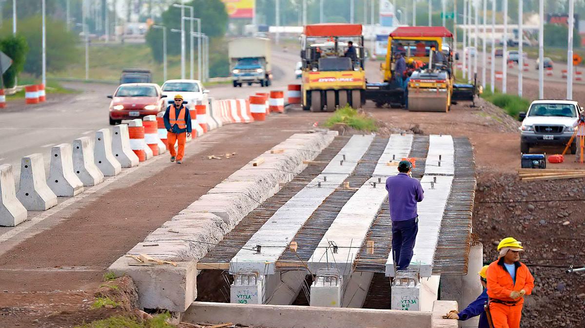 La incertidumbre política desaceleraría la recuperación de las constructoras peruanas