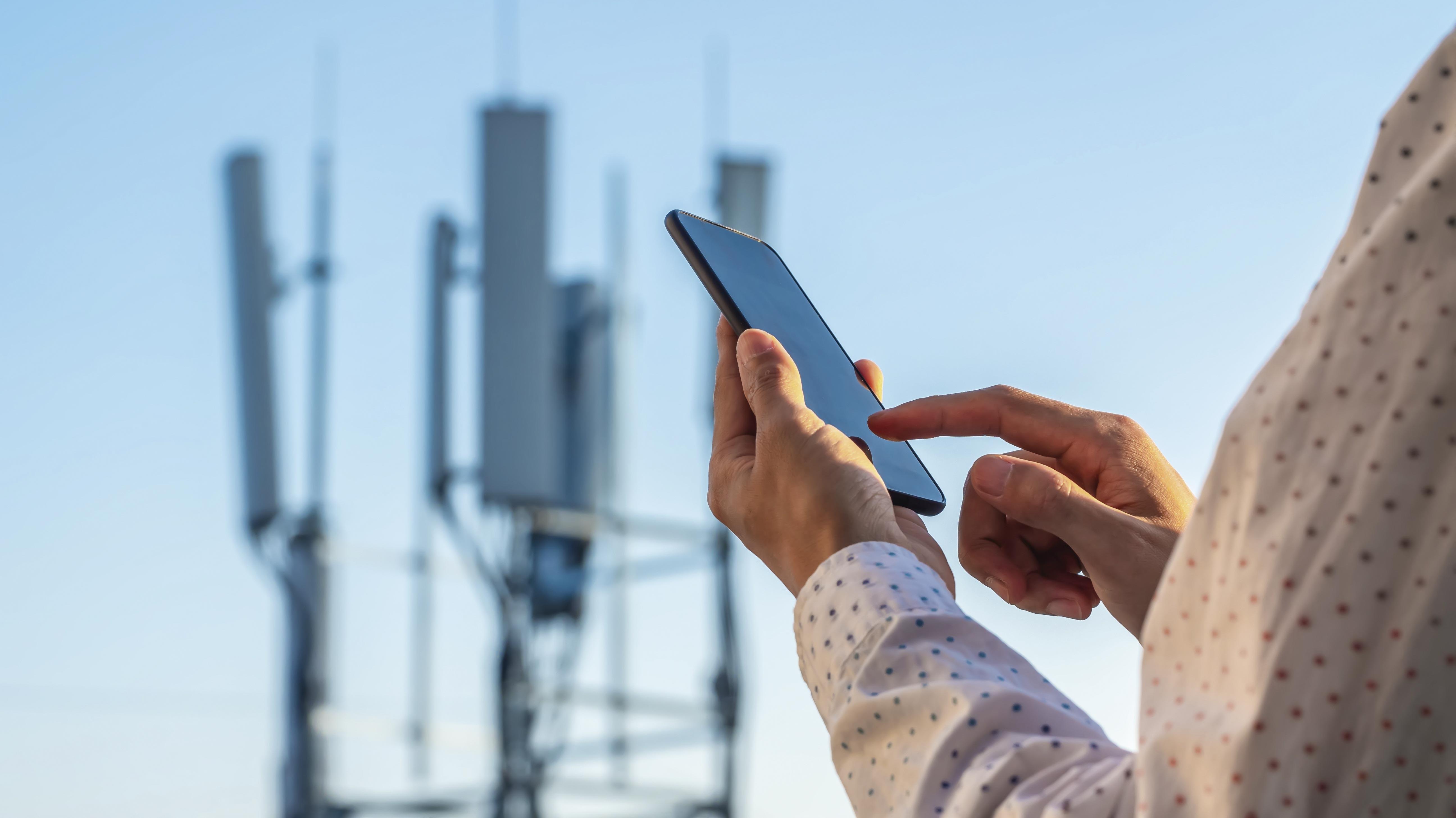El negocio móvil vuelve a impulsar los resultados de Telefónica, Claro y Entel