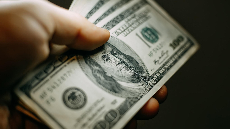 alza-del-dolar-reduce-margenes-de-empresas-y-eleva-precios-de-venta