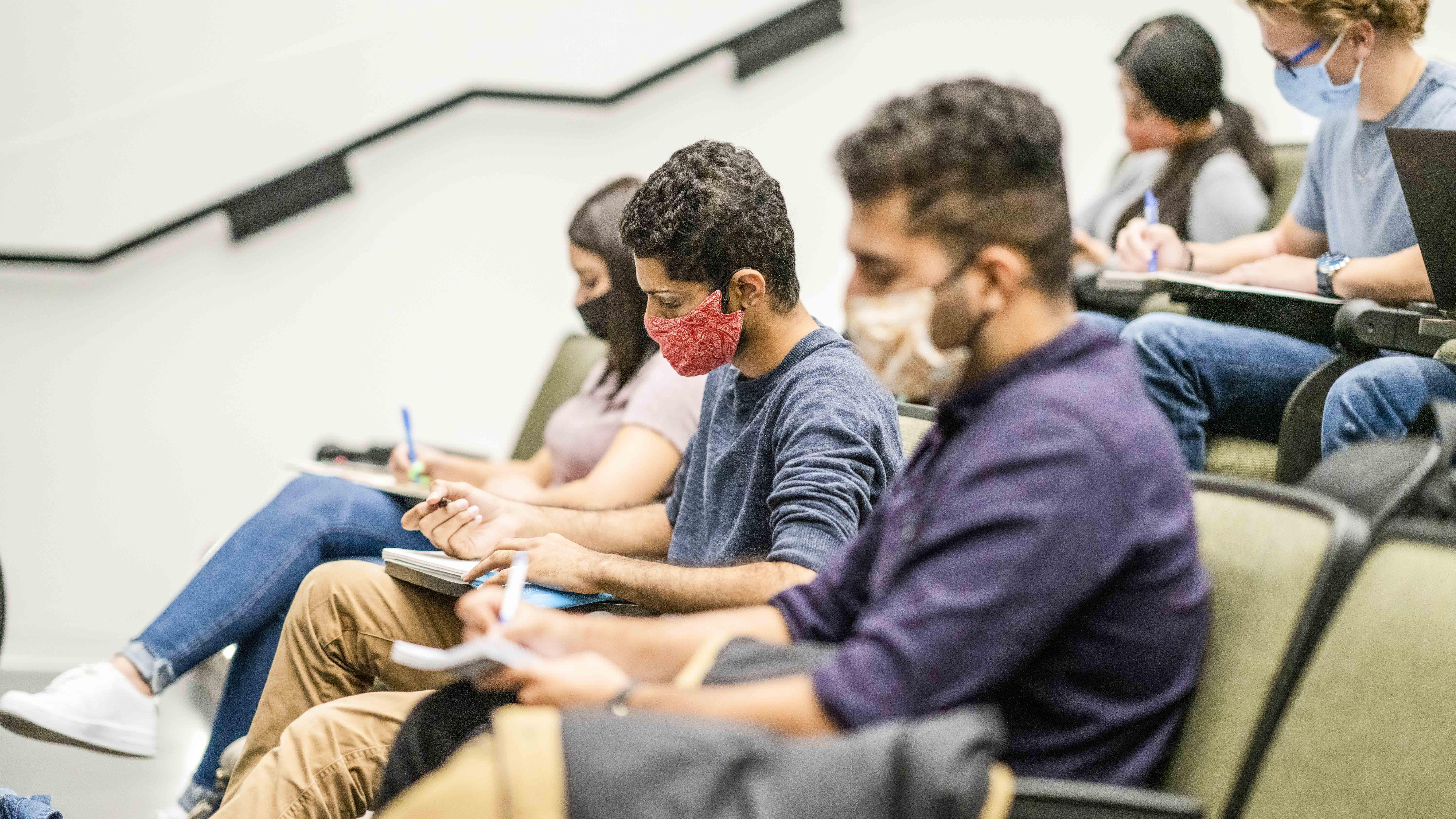 Educación híbrida: universidades apuntan a dejar todo listo para la semipresencialidad en el 2022