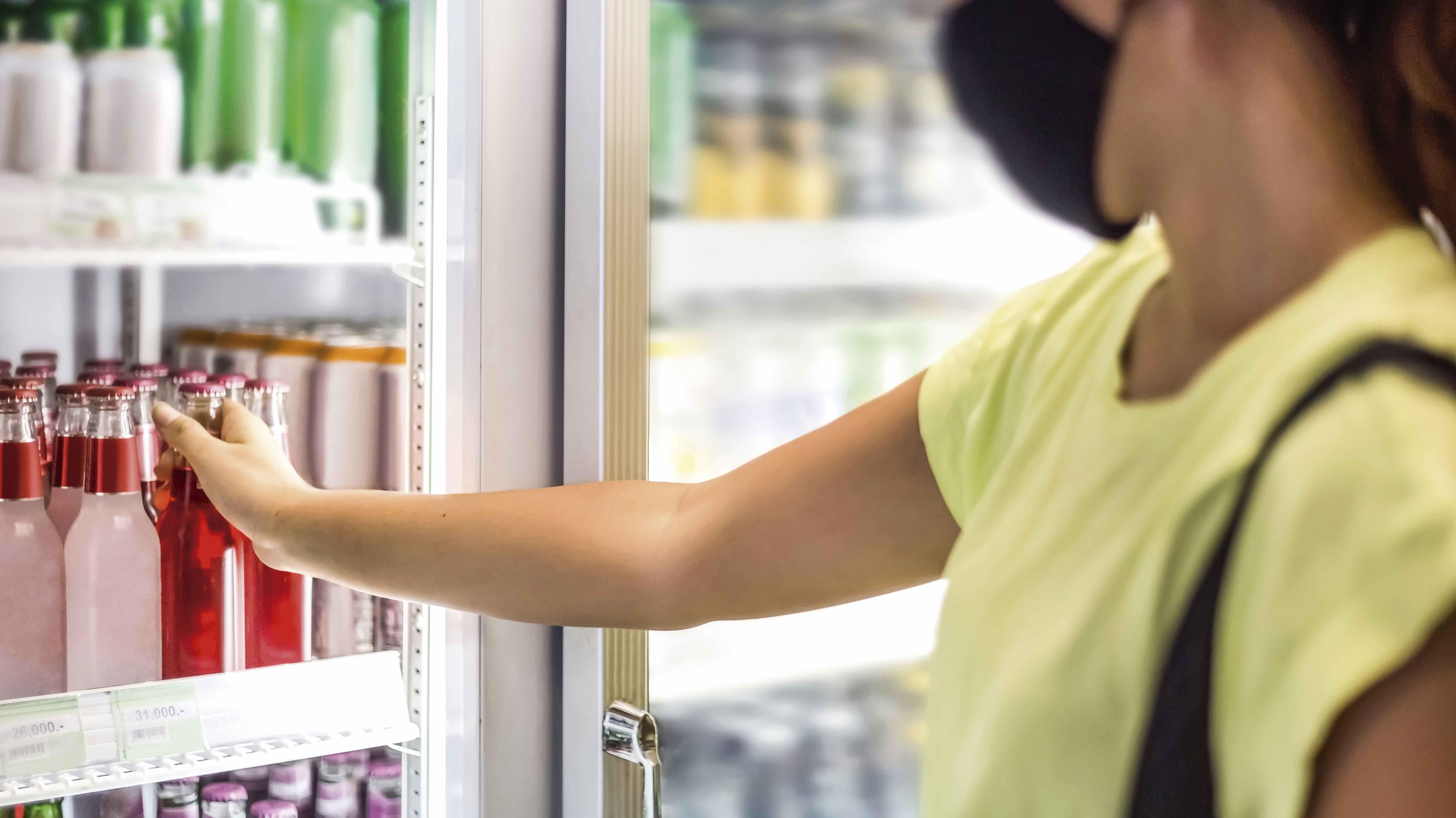 Cervezas y gaseosas sostienen la recuperación de la canasta de bebidas