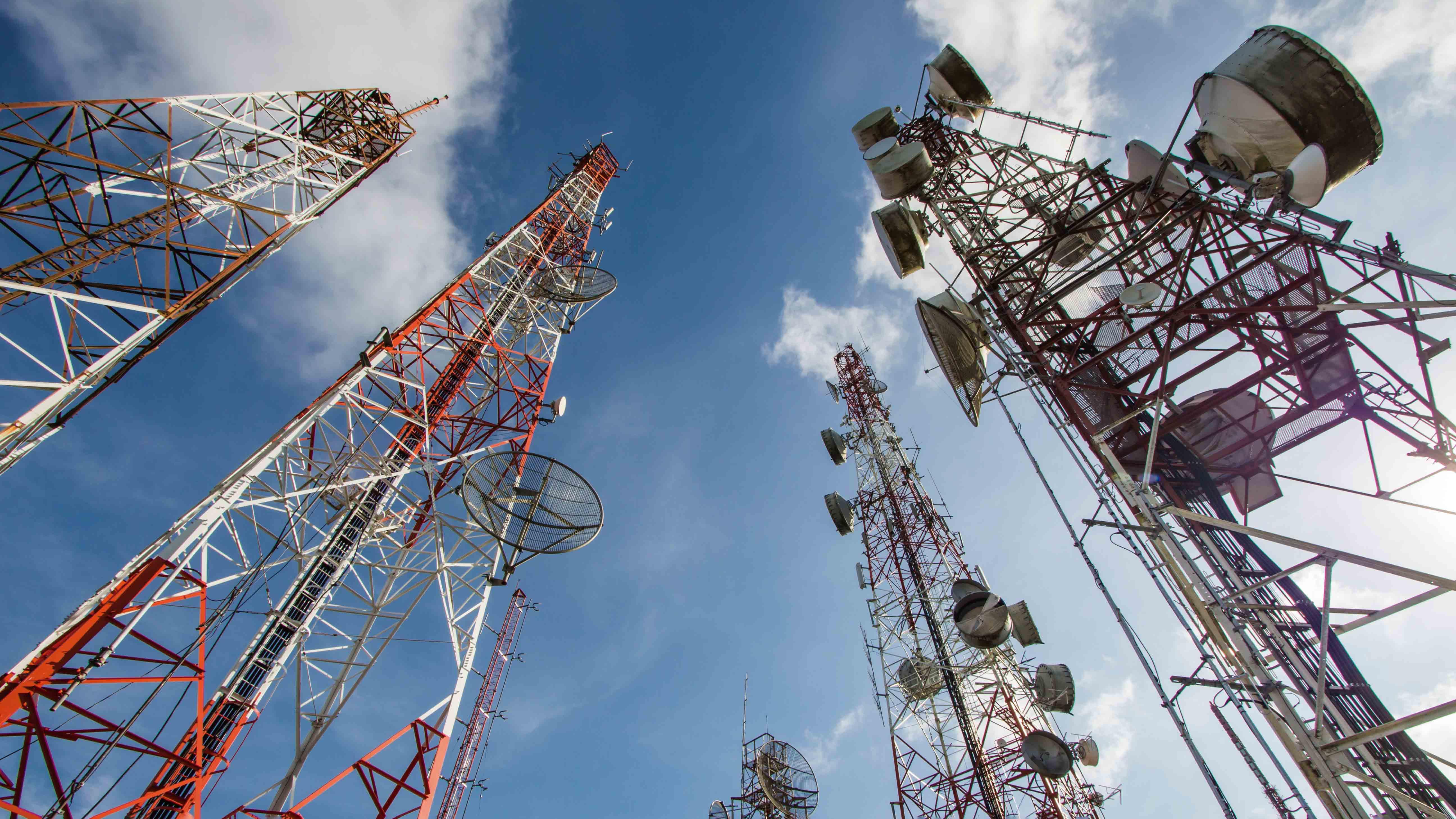 <p>Efecto cambiario en las 'telcos': Telefónica y Entel suben sus tarifas móviles pospago; Claro y Bitel las mantienen</p>