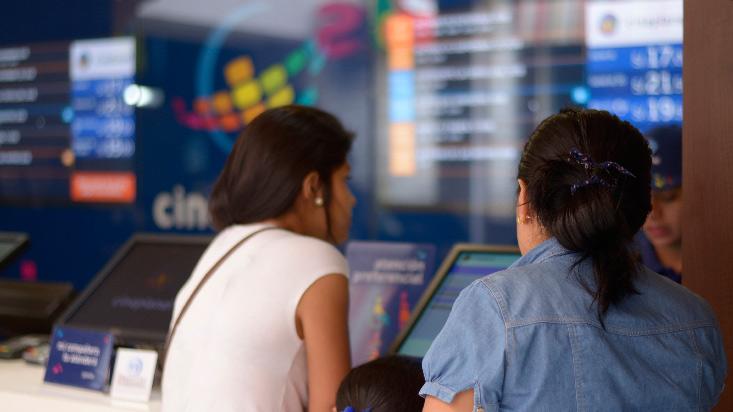 Falta de malls limita expansión de cines
