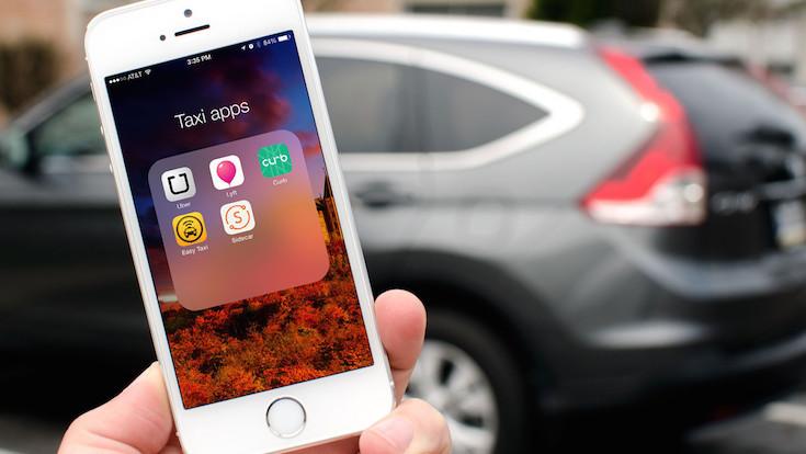 Apps vs. taxistas y la 'uberización' del mercado