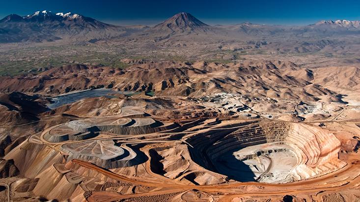 200013-poder-empresarial-cae-la-mineria-y-se-mantiene-la-banca
