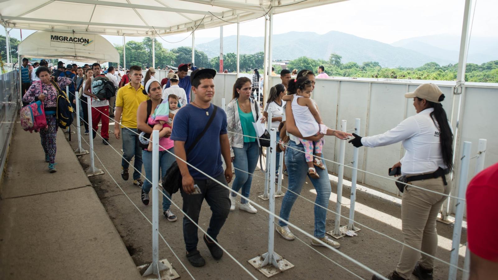 Así funciona el permiso de tránsito temporal para venezolanos que viajan por Colombia