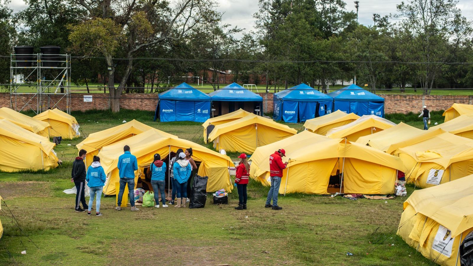 Comienza el desmonte del campamento para venezolanos en Bogotá